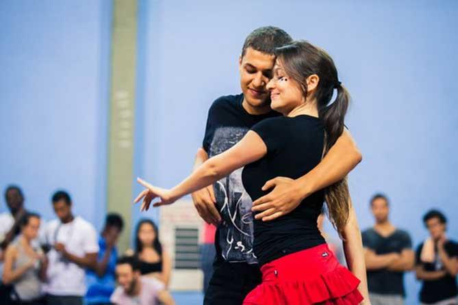 танцевальное движение