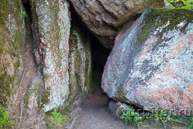 парк Монрепо камни скал