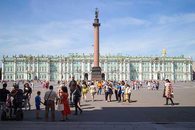 Дворцовая площадь Петербурга