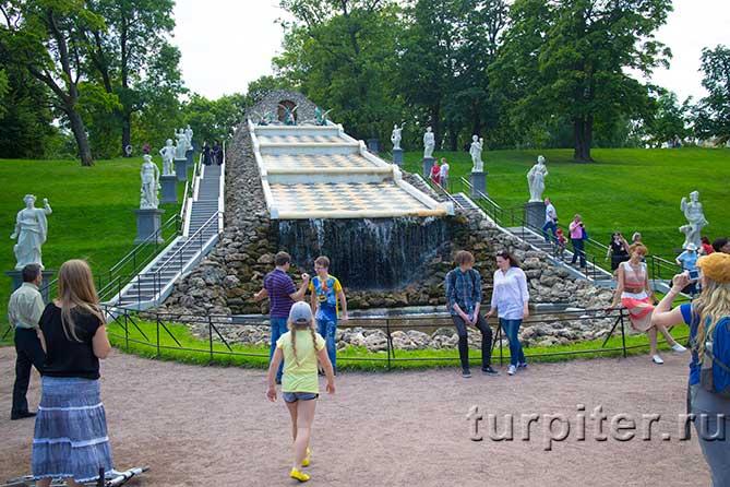 Шахматный фонтан Петергоф