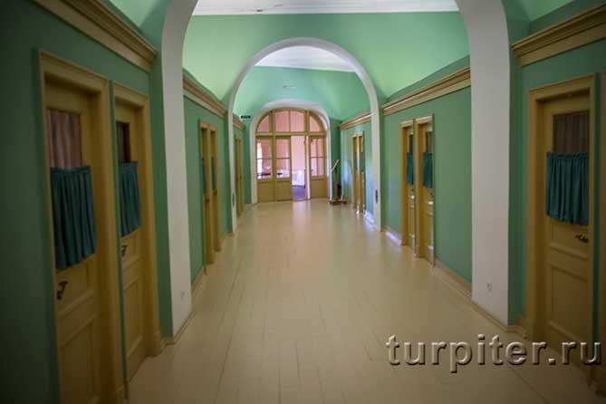 двери комнат лицееистов