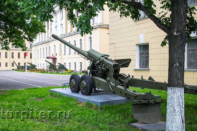 mihailovskaia-voennaia-artilleriiskaia-akademiia-orudie-1