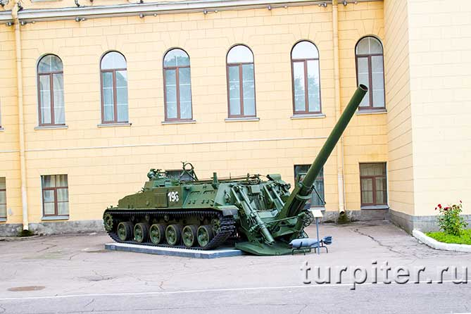 mihailovskaia-voennaia-artilleriiskaia-akademiia-orudie-5