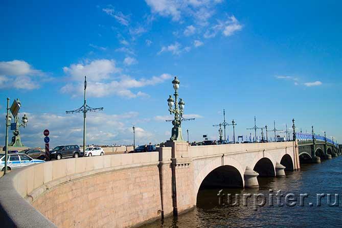 заезд на Троицкий мост