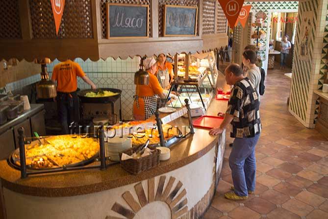 Внутри ресторана Щелкунчик