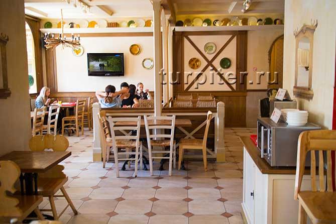 обедают Щелкунчик ресторан Санкт-Петербург