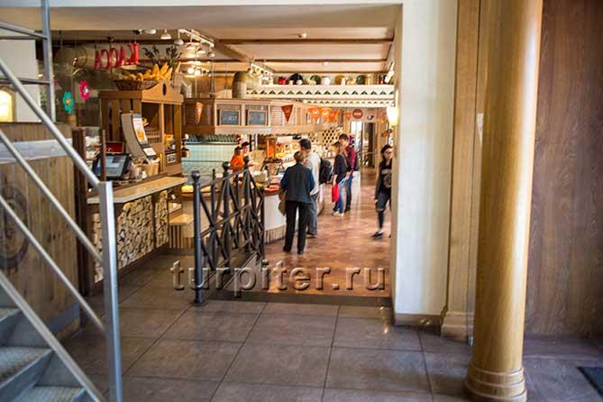 на входе Щелкунчик ресторан Санкт-Петербург