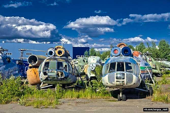 старые вертолеты брошены