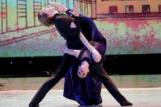 выступление танцевальной пары
