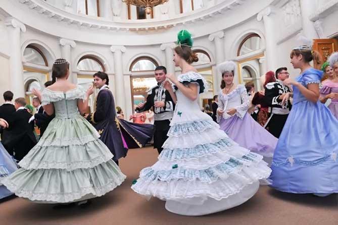 В Елагиноостровском дворце настоящий бал
