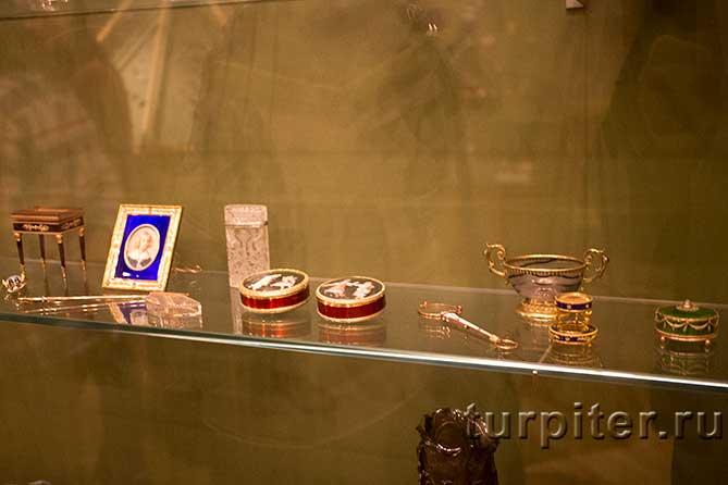 столик рюмочки ключ