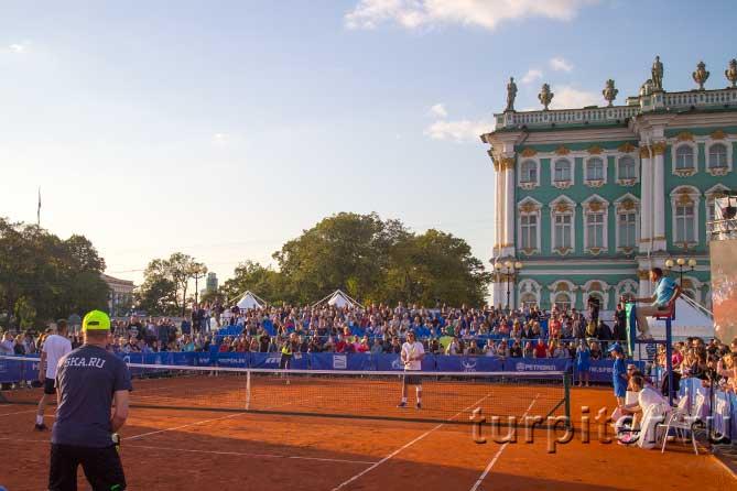 Александр Медведев на Дворцовой площади