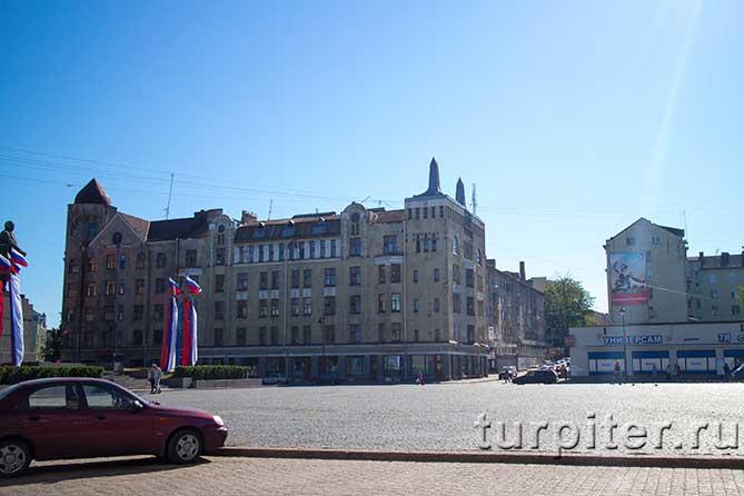 интересный дом на Красной площади