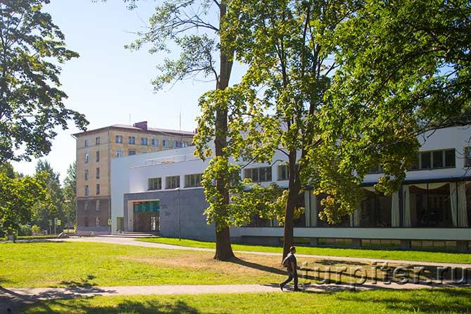 здание библиотеки в Выборге
