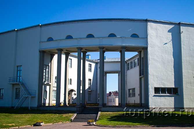 здание музея в Выборге