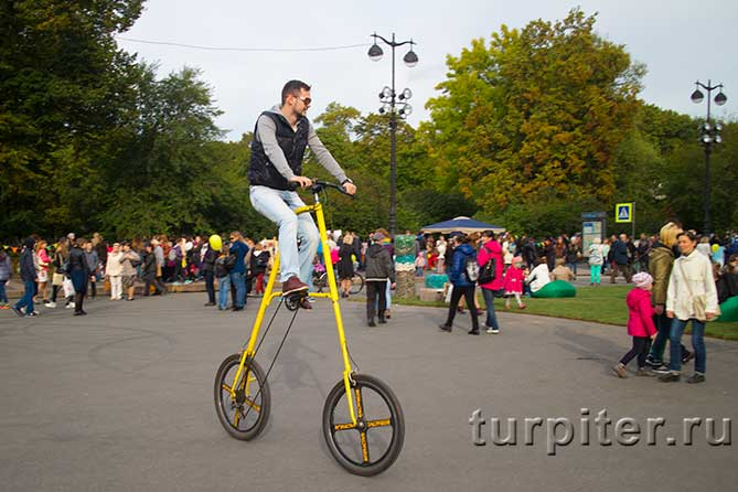 "желтый велосипед фестиваль ""Живые улицы"""