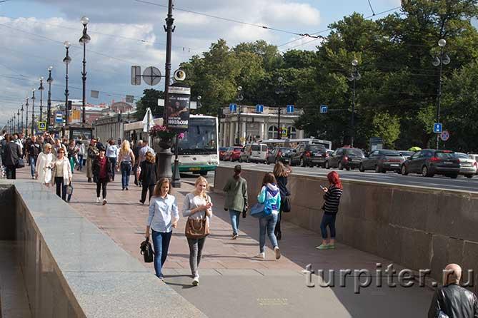Невский проспект летом