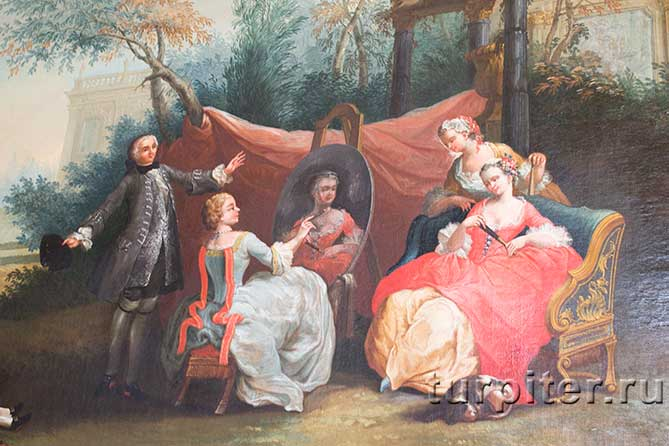 рисует портрет дворянки в саду