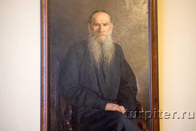 портрет русского писателя