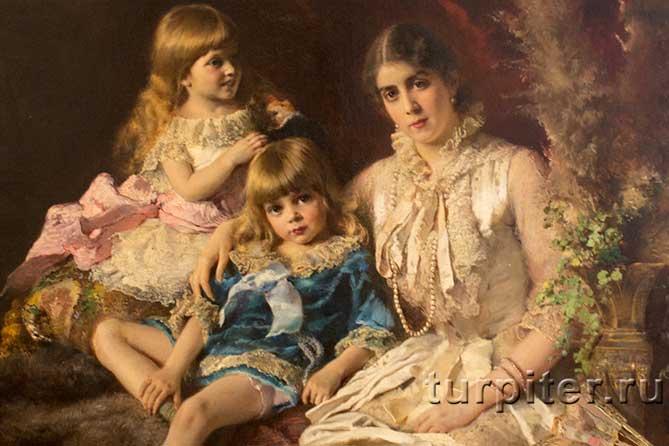 женщина и две дочки
