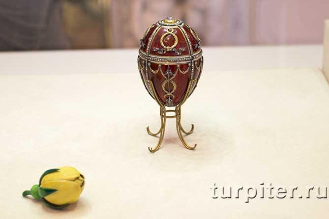 пасхальное яйцо бутон розы