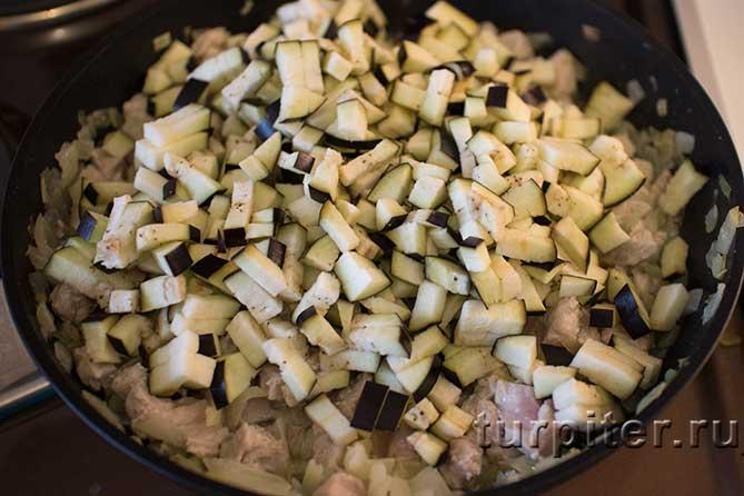 на горячей сковороде продукты для супа