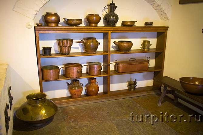 набор старинной посуды