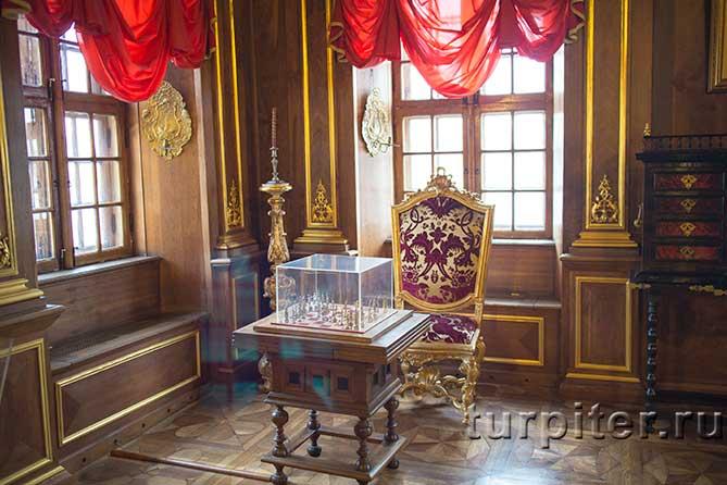 Ореховая комната шахматы