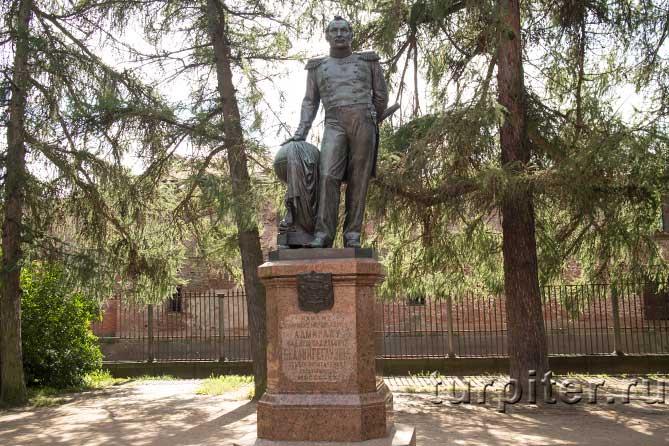 памятник Кронштадт парк