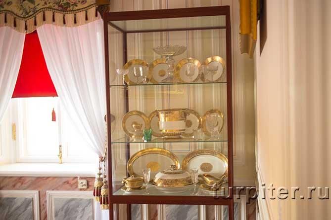 Ольгин павильон посуда в шкафу