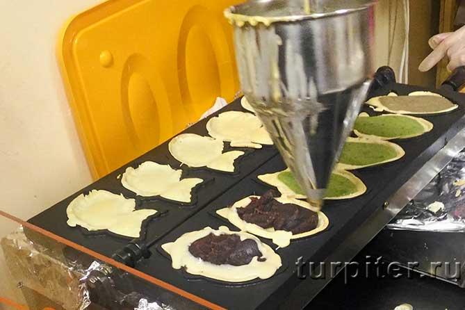 запечатывают печенье