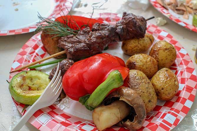 красивое готовое блюдо из оленины